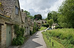 Bibury Cottages in the Cotswolds - June 2007.jpg