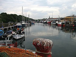 Eyemouth harbour.jpg