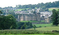 Alnwick and Alnwick Castle - Northumberland - 140804.jpg