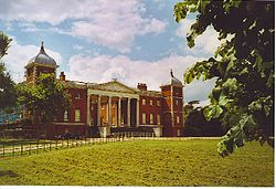Osterley House, the East Front. - geograph.org.uk - 122654.jpg