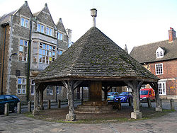Oakham Buttercross.jpg