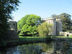 Whittington Castle October 2014.JPG