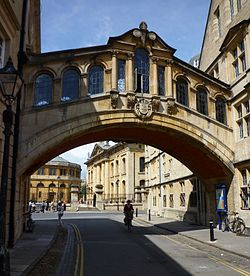 Oxford - Bridge of Sighs- Hertford College, Passes over New College Lane.jpg