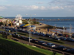 Southend Seafront and Pier - geograph.org.uk - 227230.jpg